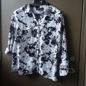 Maggie Barnes white & black blouse